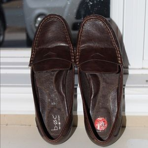 Dark brown leather loafers flats size 9.5 support
